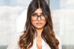 Mia Khalifa provokes Priyanka Chopra to Go against India| EDF